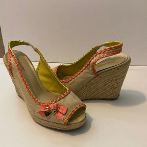 Delicious | Tan Straw Wedges Size 8